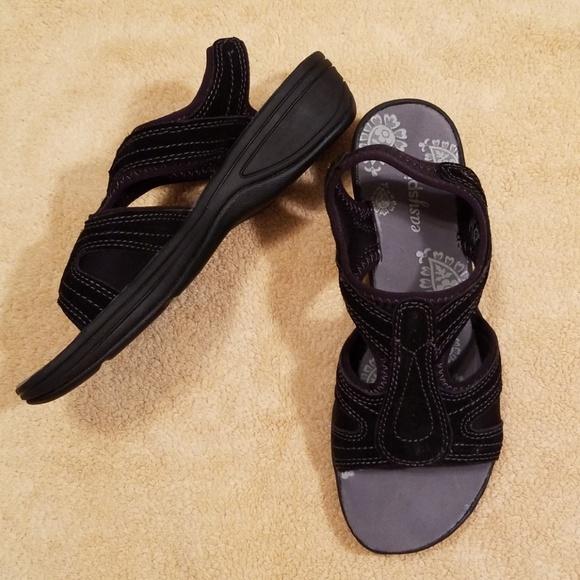 Easy Spirit Black Eshighline Sandals